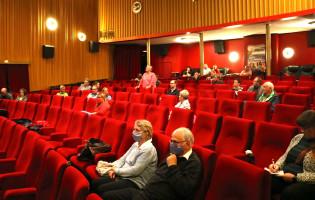 Film mit Publikumsgespräch (2)