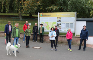 Weinberg-Exkursion am Erlenbacher Hochberg (1)